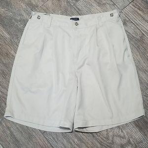 Dockers cream shorts size 34
